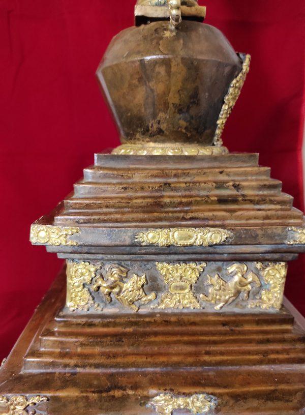 Stupa ou Chörten tibétain dédié au Bouddha Vairocana