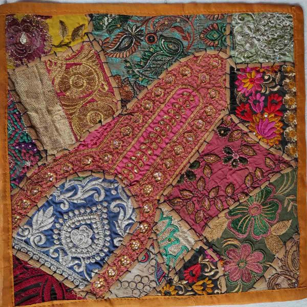 Housse de coussin patchwork saris Indien N03