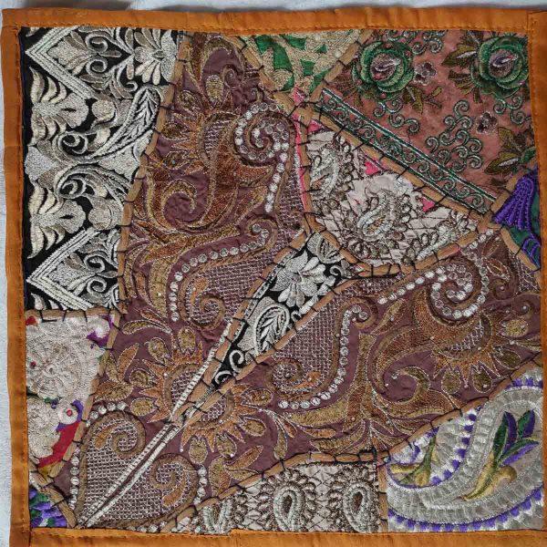 Housse de coussin patchwork saris Indien N07
